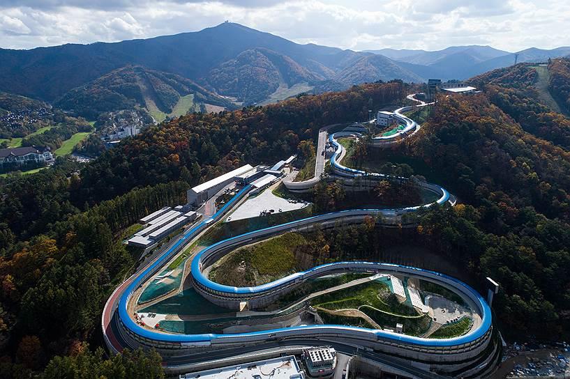 Санно-бобслейная трасса, возведение которой обошлось в $114  млн, несмотря на сомнительные перспективы востребованности после Олимпиады, все же будет сохранена в качестве тренировочного сооружения