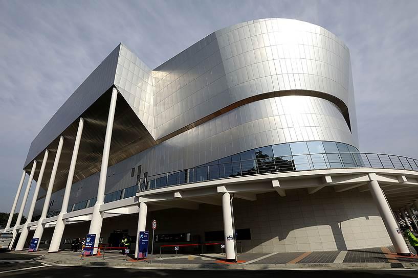 Возведение главного хоккейного стадиона Олимпиады — Gangneung Hockey Centre — обошлось в $90 млн. После Игр он будет переоборудован под нужды католического университета Каннын-Вонджу