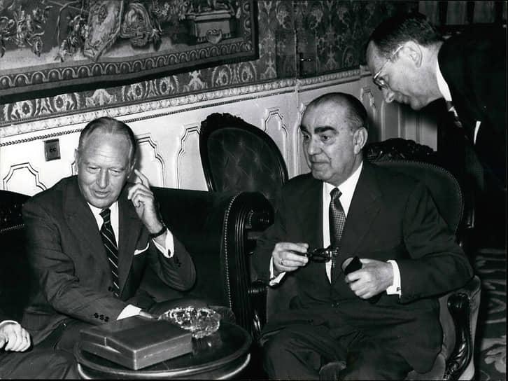 20 декабря 1973 года в Мадриде в результате взрыва скончался премьер-министр Испании Луис Карреро Бланко. Организаторами и исполнителями теракта стали члены баскской националистической организации ЭТА. В истории Испании это стало пятым убийством премьер-министра. Ранее главы правительства лишались жизни в результате покушений в 1870, 1897, 1912 и 1921 годах