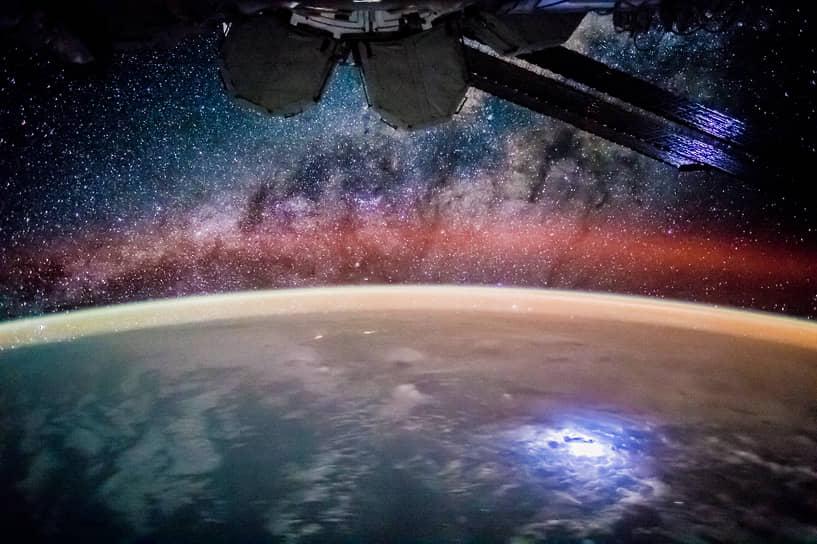 Первоначально планировалось, что станция завершит эксплуатацию в 2015-2016 годах, но в 2014 году срок эксплуатации МКС был продлен до 2020 года. Затем страны-участницы договорились эксплуатировать станцию как минимум до 2024 года