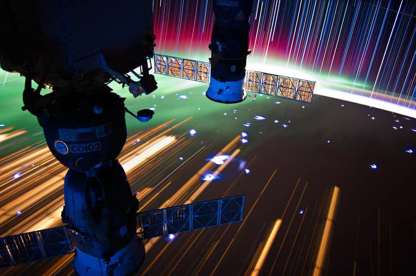С тех пор МКС постоянно обитаема. Первый экипаж проработал на станции почти 141 сутки — до 21 марта 2001 года