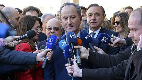 Киприоты не выбрали президента с первой попытки // Во втором туре встретятся нынешний глава республики Никос Анастасиадис и коммунист Ставрос Малас