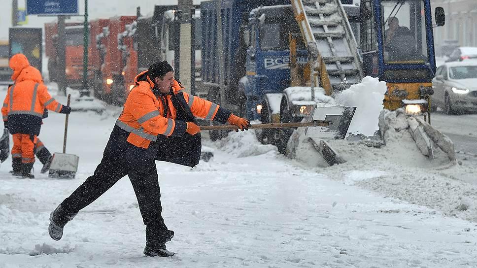 За двое суток в Москве выпало 122% месячной нормы снега