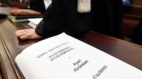 Парижский террорист попросился обратно в тюрьму // Салаху Абдесламу надоело судиться