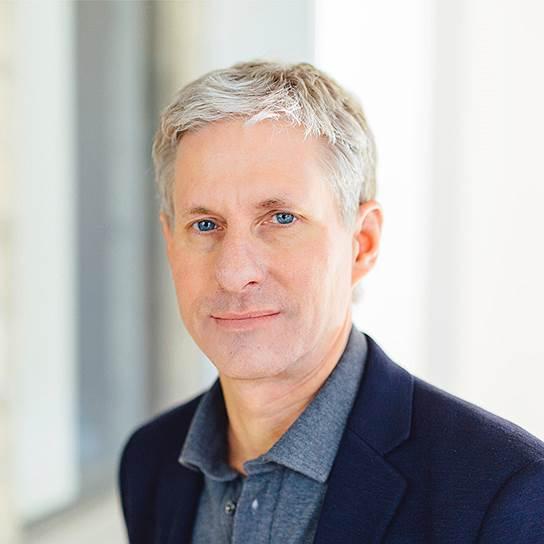Крис Ларсен, 57 лет. Один из основателей платформы Ripple. Состояние — $7,5-8 млрд