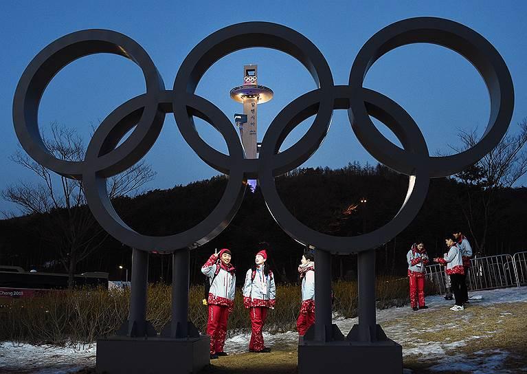Спортсмены в Олимпийской деревне
