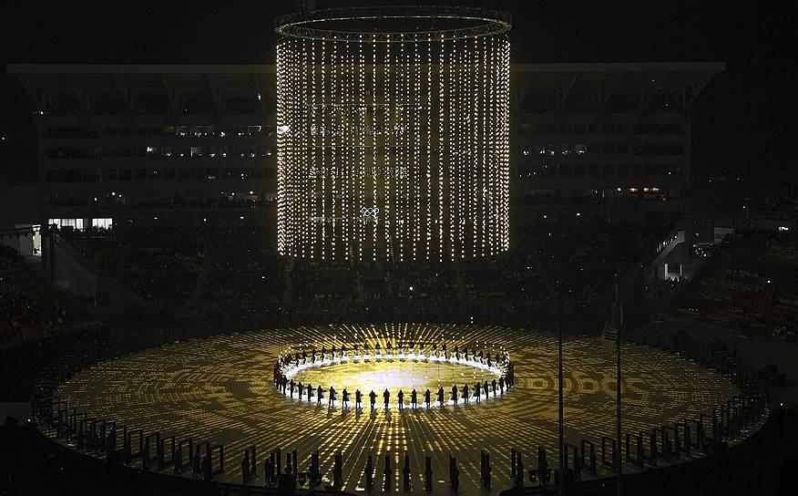 Церемония открытия XXIII зимних Олимпийских игр проходила на временном стадионе, который будет разобран после соревнований