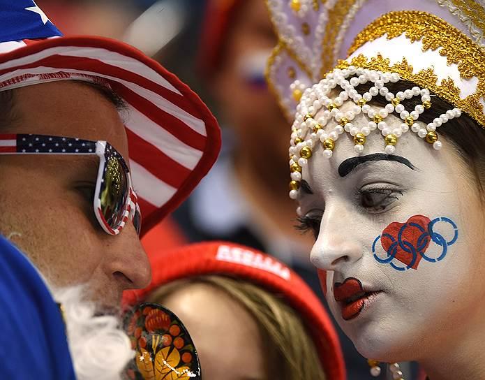 Российские болельщики во время матча группового этапа между хоккейными сборными России и США