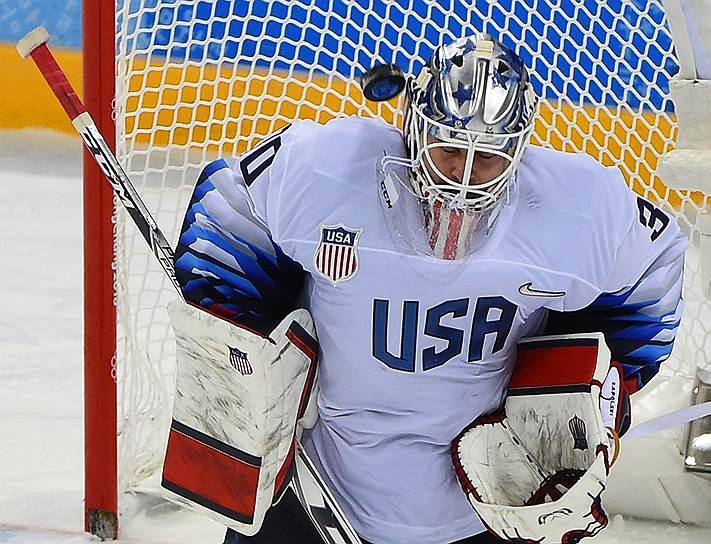 Вратарь сборной США по хоккею Райан Запольски