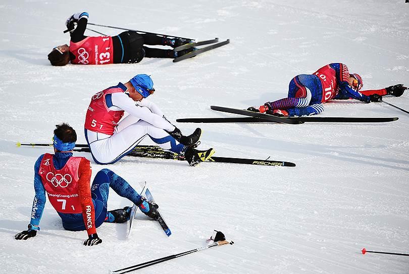 Слева направо: француз Жан-Марк Гайяр, эстонецАндреас Вирпалу, финн Перту Хюваринен и американец Эндрю Ньюэлл после первого этапа эстафеты