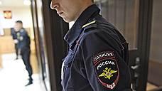 Полицейский предложил покровительство медцентру