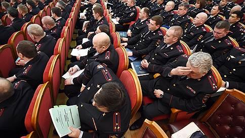 МУР возглавил специалист по оружию  / В московской полиции назначены новые руководители подразделений