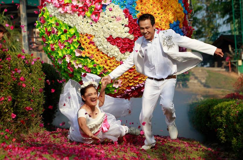 День святого Валентина считается в Таиланде удачным временем для заключения брака, однако правительство страны запретило бракосочетания на праздник в 2021 году из-за пандемии коронавируса