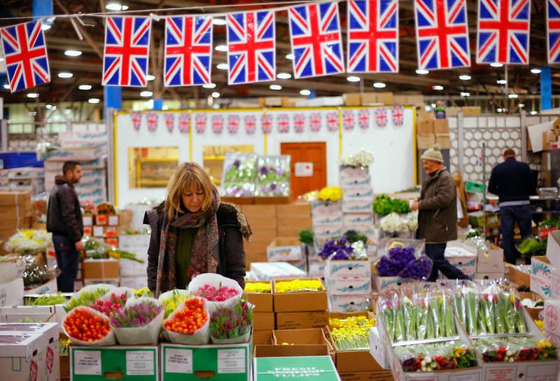 Согласно данным компании Finder, жители Великобритании в 2021 году намерены потратить чуть более £926 млн. Это на 36% меньше, чем годом ранее