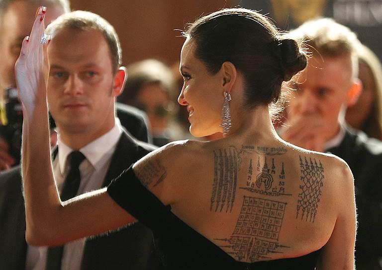 Анджелина Джоли на церемонии вручения премии в Альберт-холле
