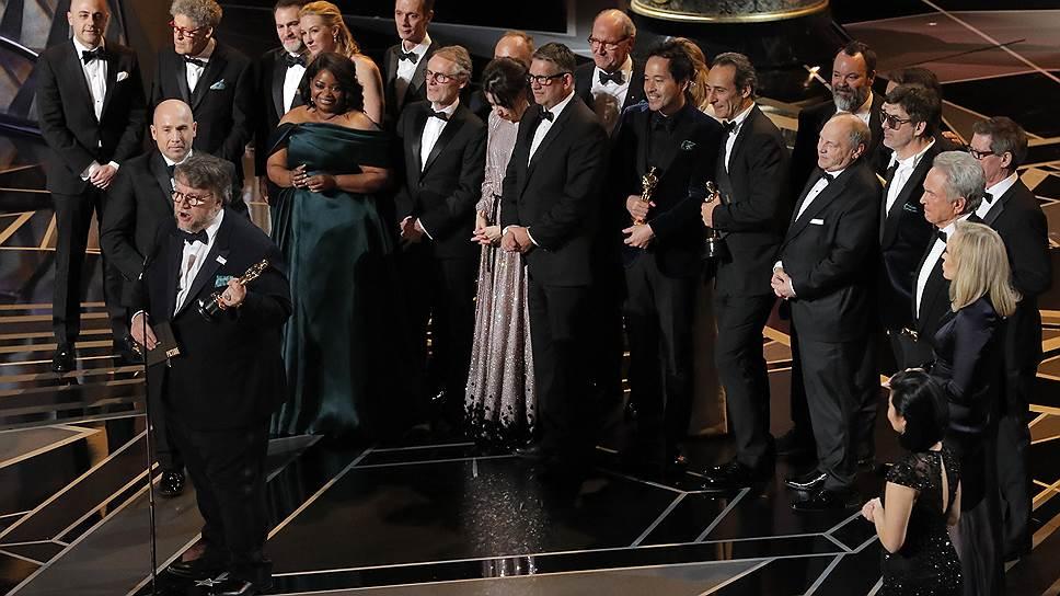 Гильермо дель Торо и команда фильма «Форма воды»