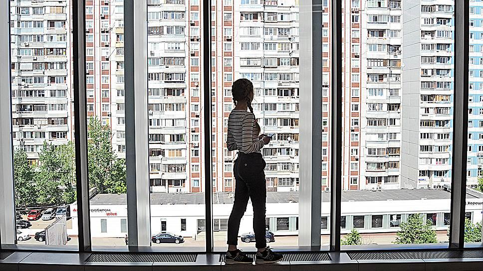 Молодежь готова к эмиграции ради заработка