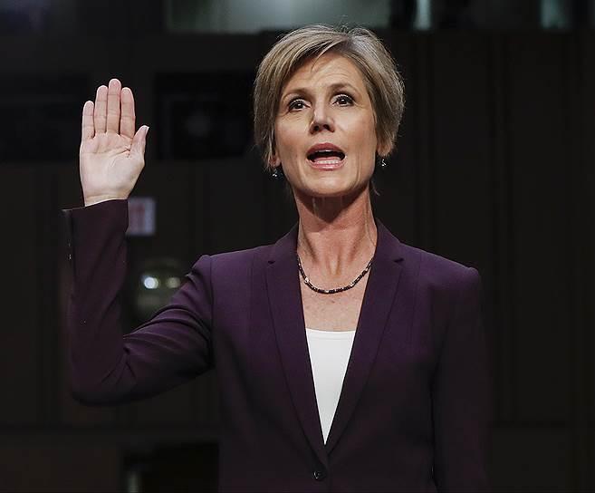 30 января 2017 Дональд Трамп уволил исполняющего обязанности генерального прокурора США Салли Йейтс за то, что она отказалась исполнять указ о запрете на въезд беженцев