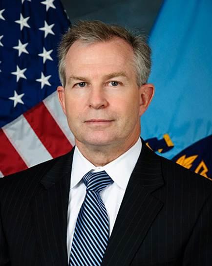 19 февраля 2017 года был уволен глава Совета национальной Безопасности США Крейг Дир. Поводом послужила критика политики администрации президента США в отношении Мексики