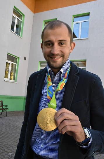 В феврале 2011 года получил гражданство РФ уроженец Белоруссии пятиборец Александр Лесун. Лесун — победитель (2012, 2013, 2014, 2016) и серебряный призер (2010, 2011, 2016) чемпионатов мира, чемпион Олимпийских игр 2016 года в Рио-де-Жанейро