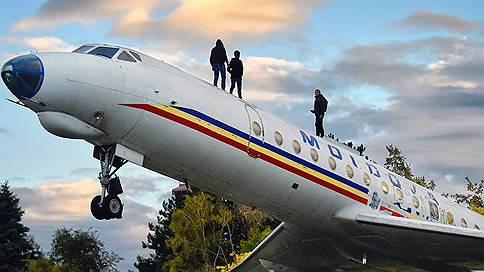 """Лишь бы не было страны  / Как Молдавия становится Румынией — в специальном репортаже """"Ъ"""""""