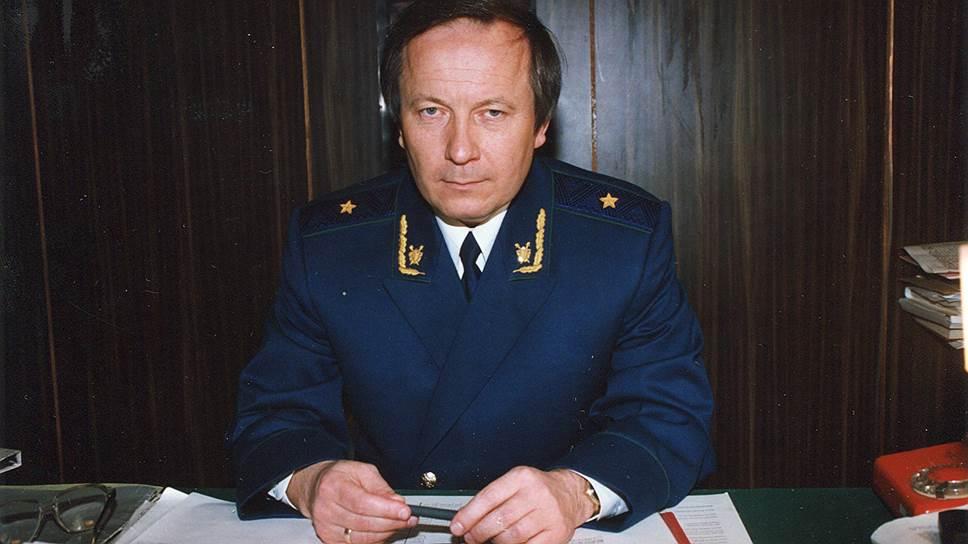 Заседавшие в 1990-х годах в Совете Федерации губернаторы трижды отклоняли инициативу президента об увольнении генпрокурора Юрия Скуратова (на фото)