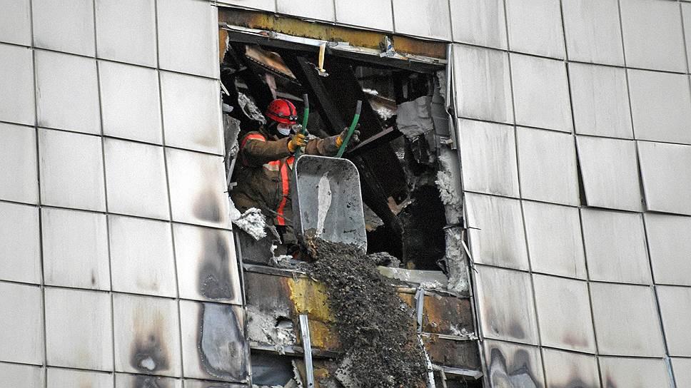 Кого СКР хочет арестовать по делу о пожаре в ТРЦ «Зимняя вишня»