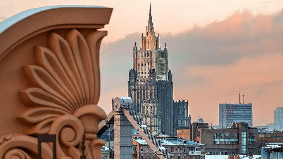 МИД РФ высылает дипломатов стран-союзниц Великобритании по «делу Скрипаля»