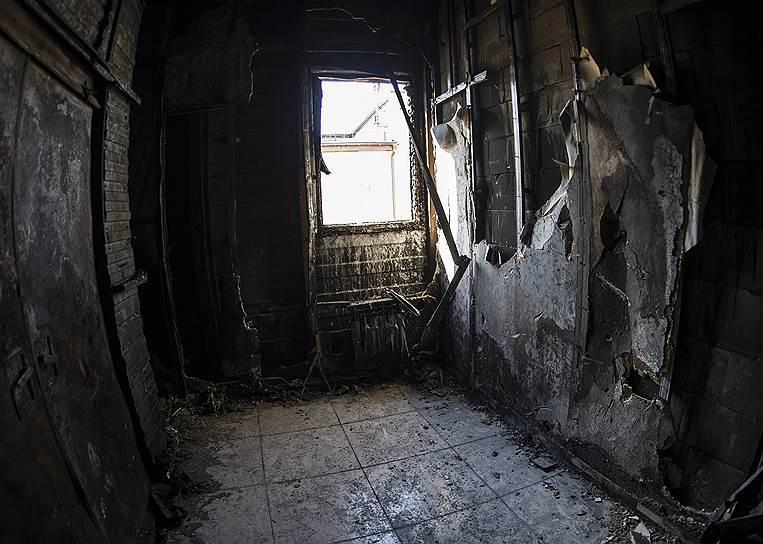 Это то самое окно, из которого папа выбросил и спас Сережу Москаленко