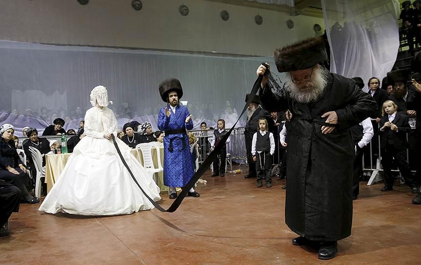 На территории Израиля светская церемония бракосочетания невозможна — за этим люди едут на Кипр