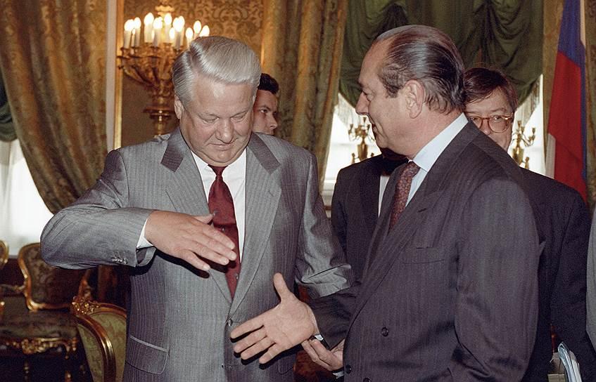 С мэром Парижа Жаком Шираком Борис Ельцин познакомился еще в начале девяностых (на фото — визит мэра в Москву в 1993 году)