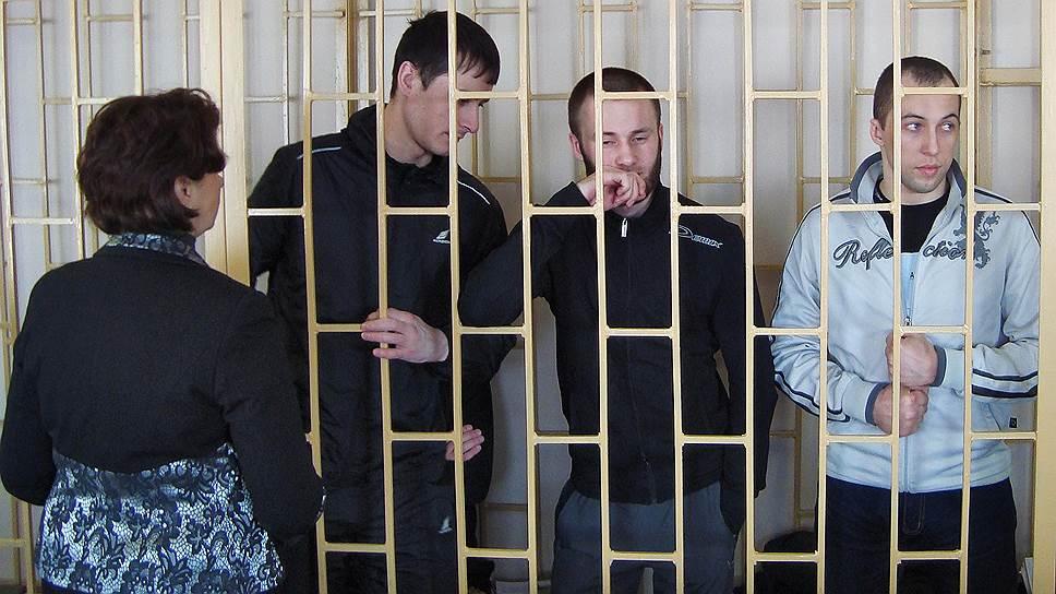 Слева направо: адвокат Елена Мельникова, Владимир Илютиков, Александр Ковтун и Алексей Никитин