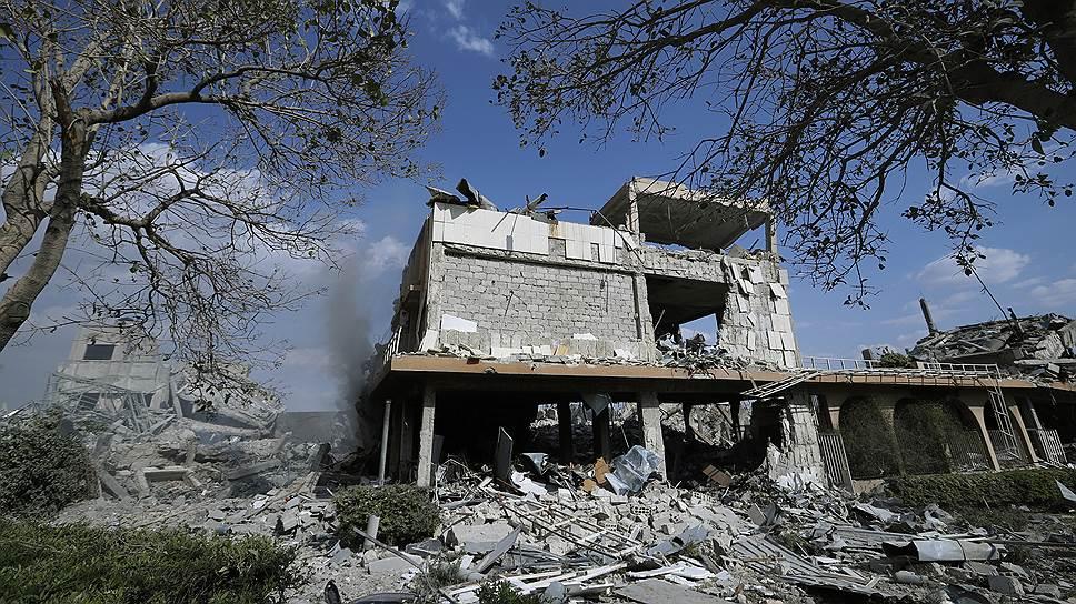 Разрушенное здание научно-исследовательского центра в Сирии