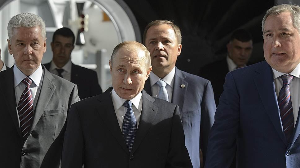 Владимир Путин обрисовал планы России по изучению Луны и Марса