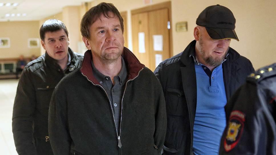 Как Владимир Антонов был арестован за хищения из банка «Советский»
