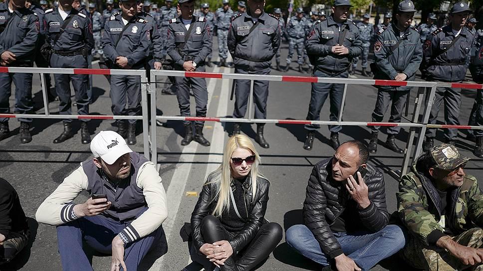 С чего начались протесты в Ереване