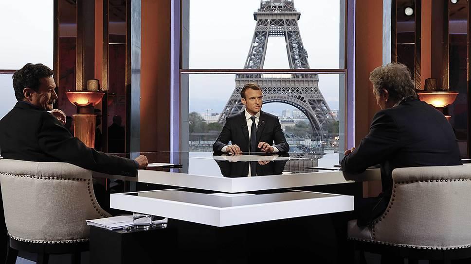 Как президент Франции пережил схватку с журналистами