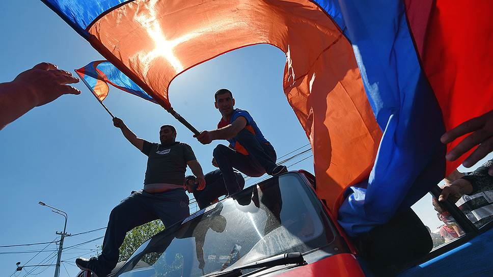 Как Армения снова вышла на митинги