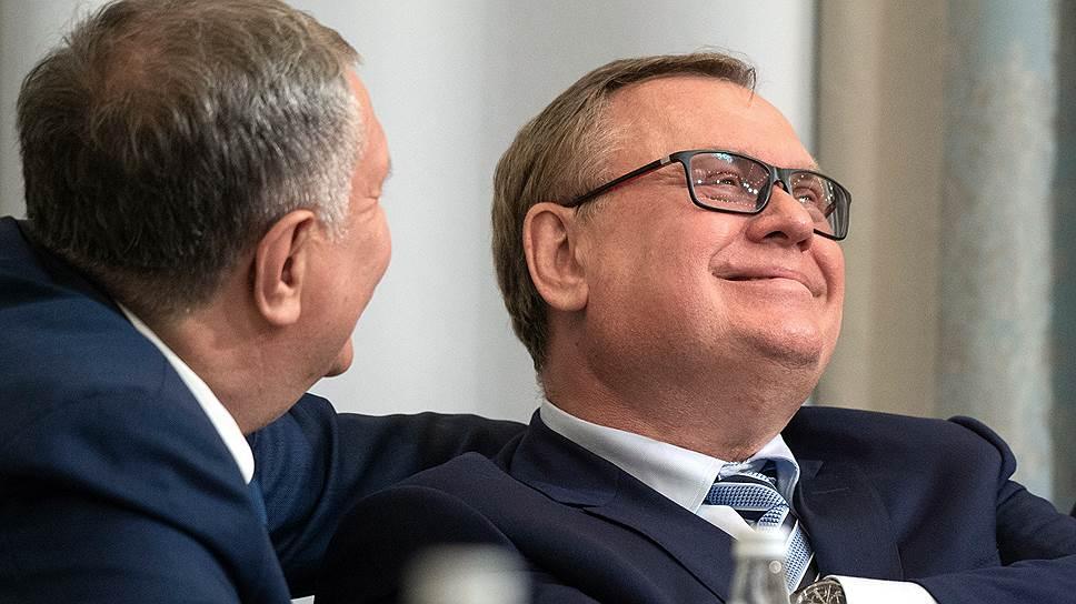 Главы «Роснефти» Игорь Сечин (слева) и ВТБ Андрей Костин