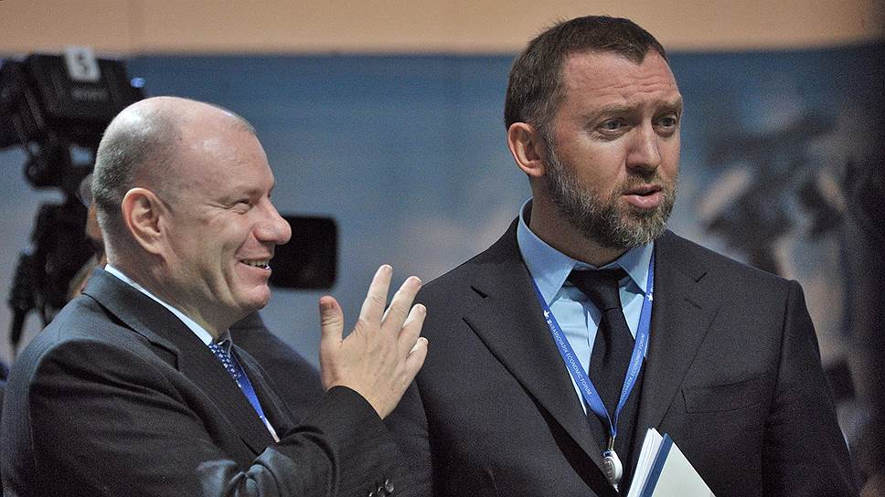 Бизнесмены Владимир Потанин (слева) и Олег Дерипаска