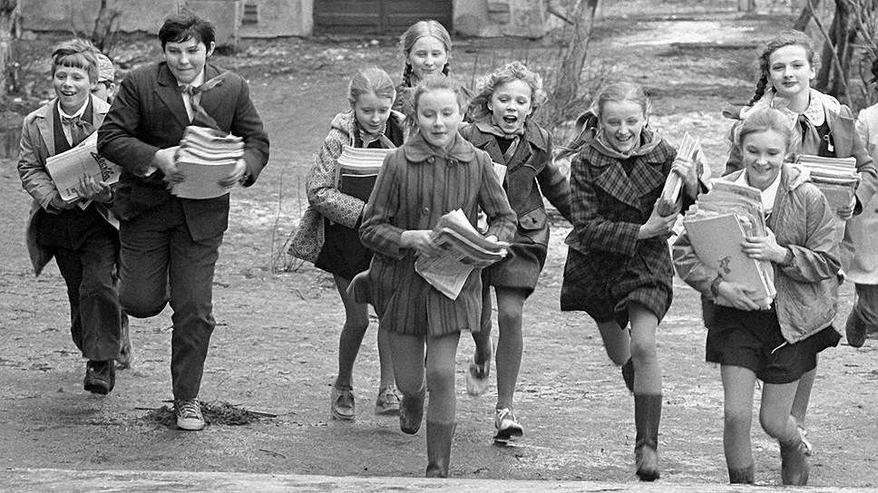 Каждый советский пионер знал, что, собрав 60 кг макулатуры, он спасет от вырубки одно дерево. Но старались не ради леса, а ради победы в соревновании