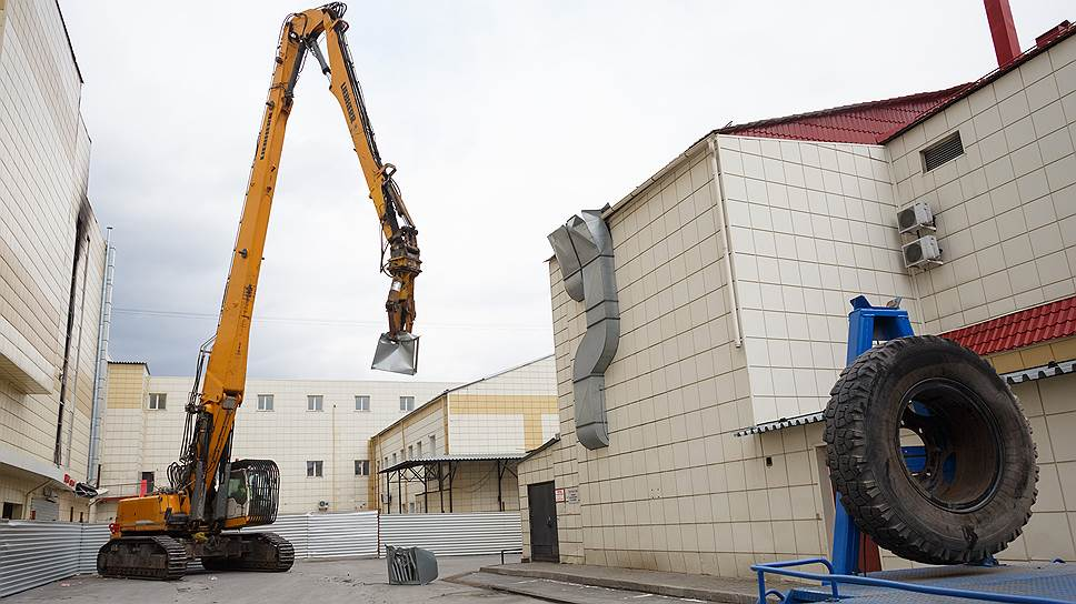 Почему был приостановлен демонтаж ТЦ «Зимняя вишня»