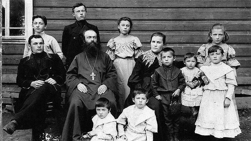 Далеко не все дети из больших священнических семей могли найти себе место на приходе. Светская служба предлагала значительно больше вариантов