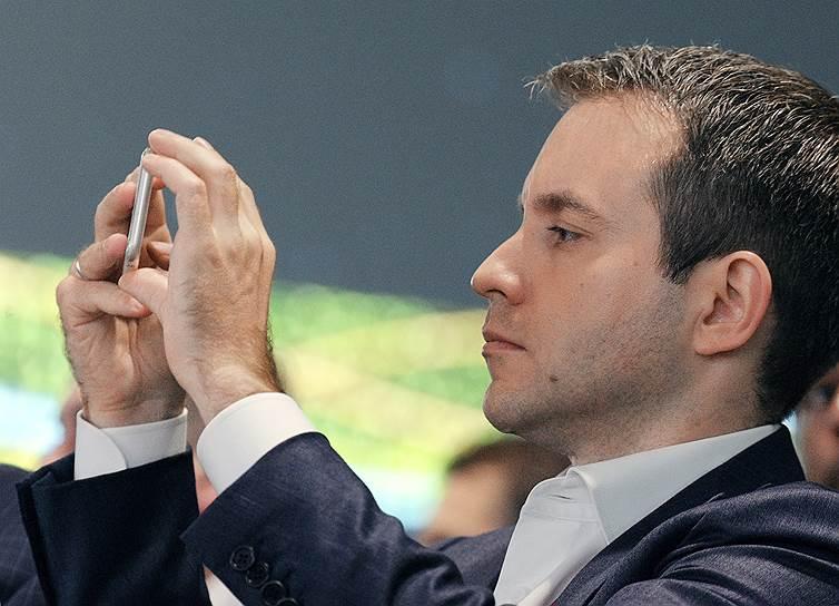 Экс-министр связи и массовых коммуникаций Николай Никифоров во время пленарной сессии «Транзитный мир: что завтра?»