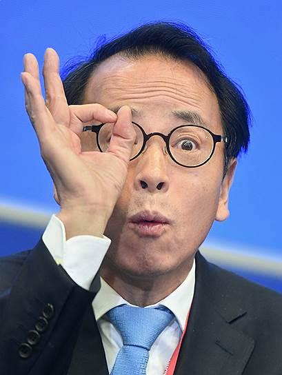 Независимый экономист Энди Се во время панельной сессии «Экономический протекционизм и глобальные рынки»