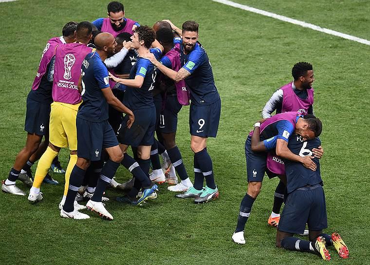 Игроки сборной Франции во время финального матча против сборной Хорватии