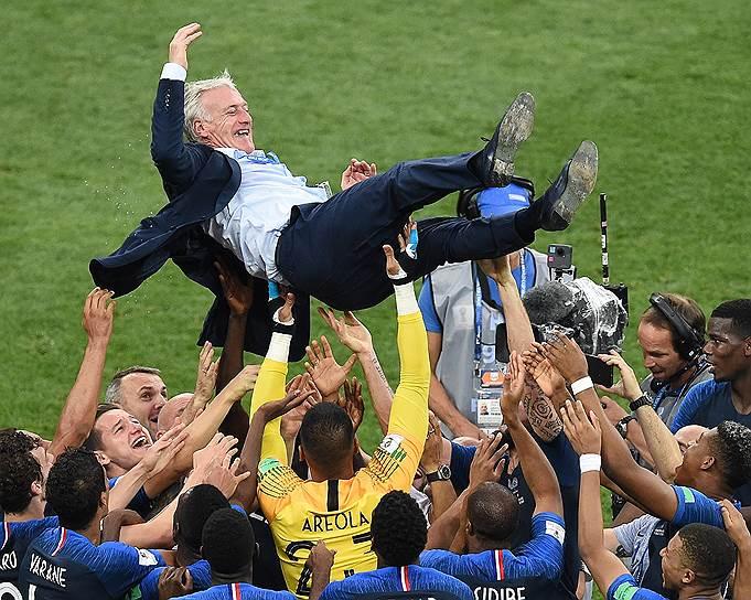 Тренер сборной Франции Дидье Дешам