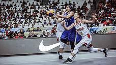 Баскетболистки сообразили на троих