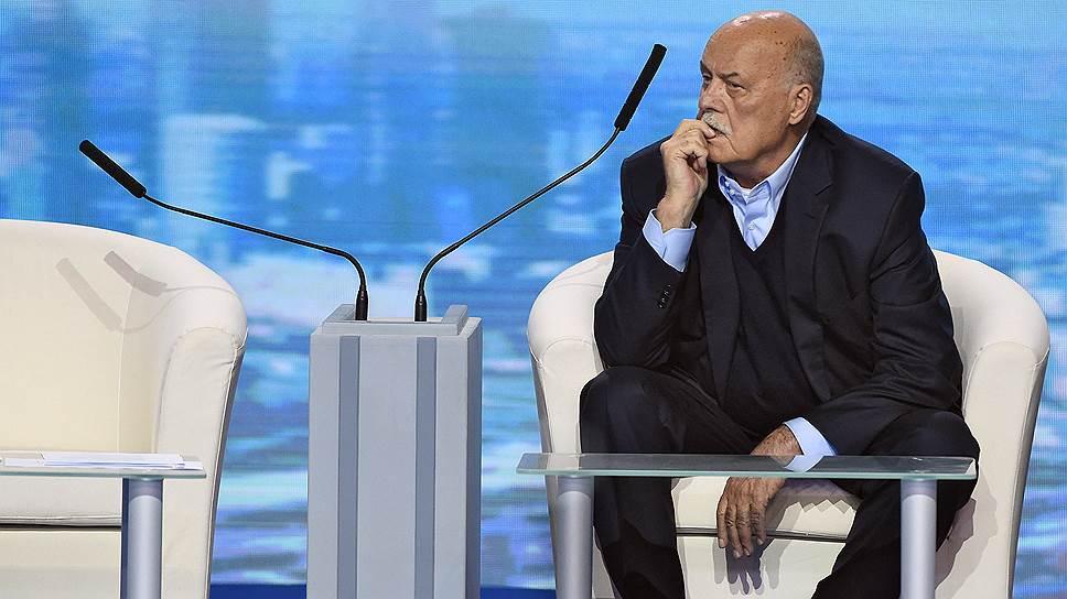 Как Станислав Говорхуин оставался кинорежиссером, избираясь в депутаты, а снимая кино, был политиком