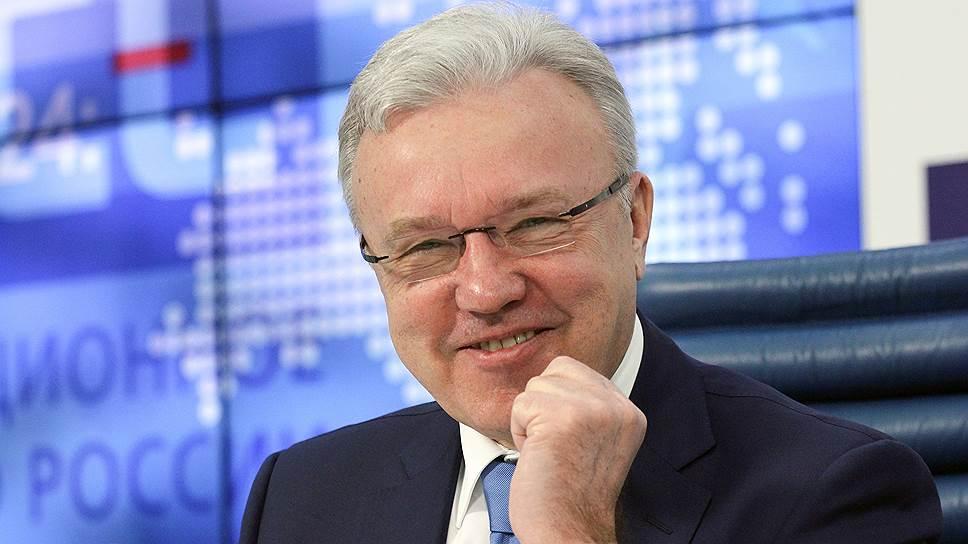 Самым богатым губернатором стал новичок рейтинга Александр Усс. Доход нового главы Красноярского края  за 2017 год составил 221,6 млн руб., 193 млн из которых он получил в порядке наследования